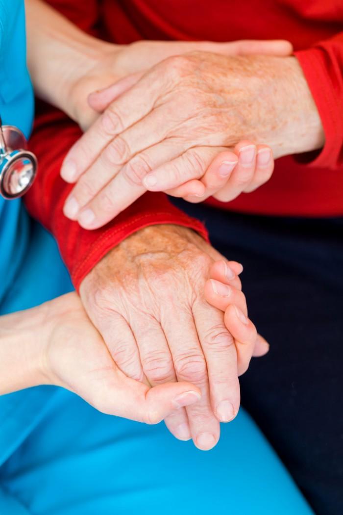 Psychologue en Ehpad : l'intermédiaire entre famille et maison de retraite