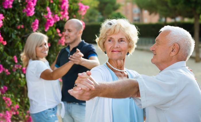 Village Seniors : Les seniors vivent bien